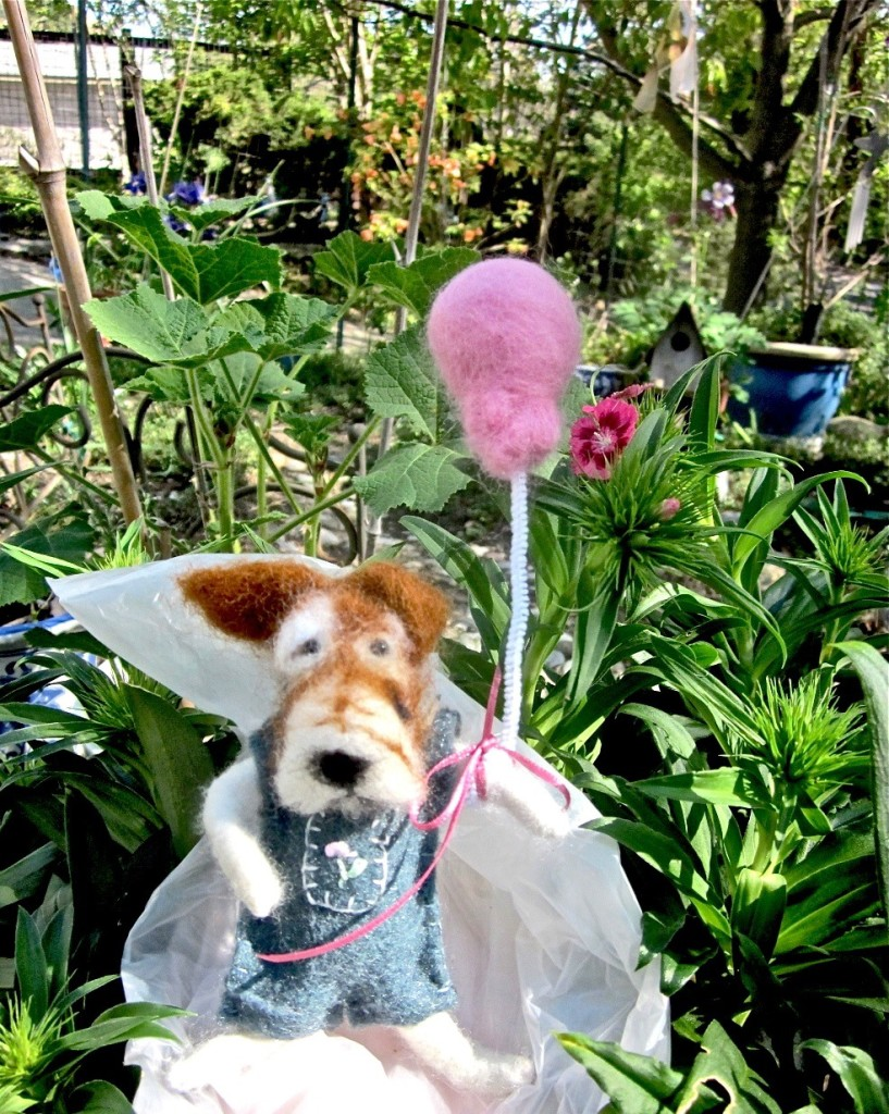 needle felted pup & balloon